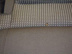 Polster mit Muster und Loch